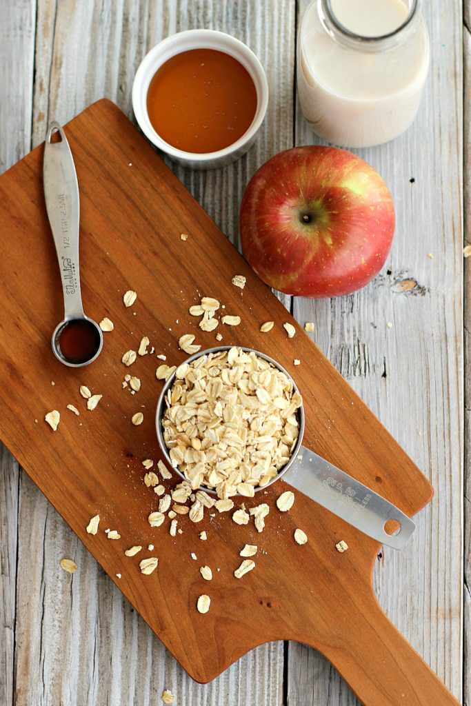 Healthy Apple Almond Overnight Oats Ingredients